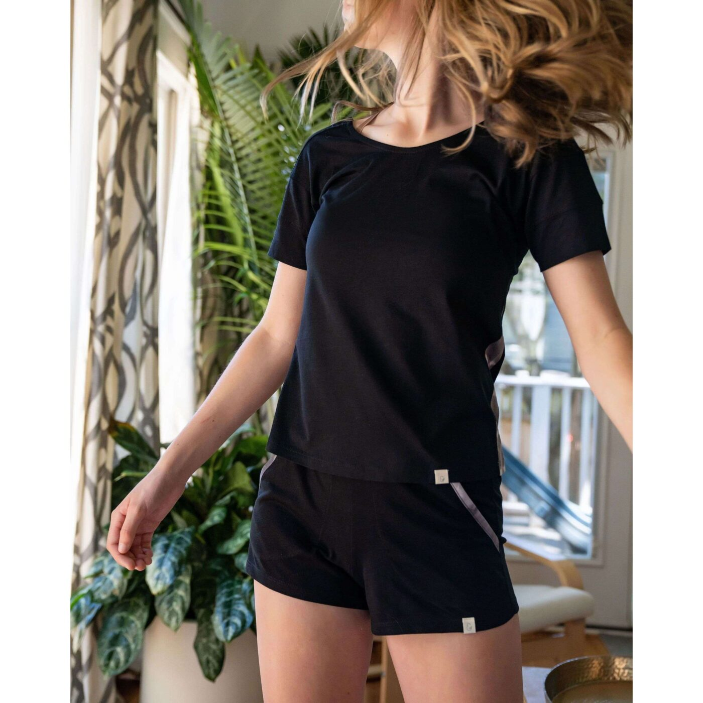 leena and lu pajama short set color black